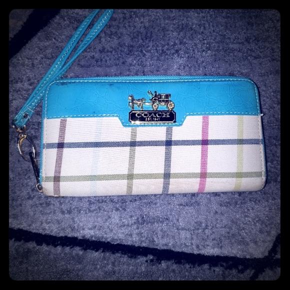 Coach Handbags - Coach wallet/wristlet